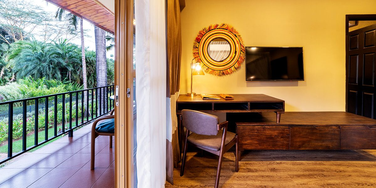 speke resort munyonyo - Junior suite with Sitting Area