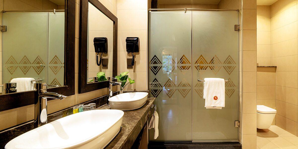 speke resort munyonyo - Junior suite -wash room